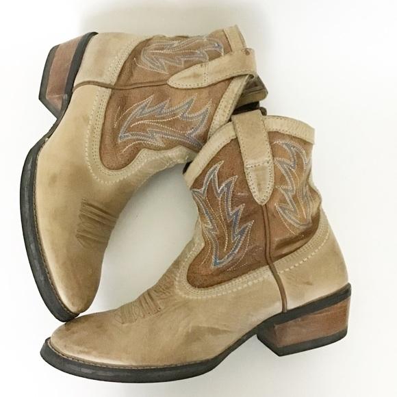 848a435c0ac ARIAT Billie Boho Western Cowboy Ankle Boot NWT